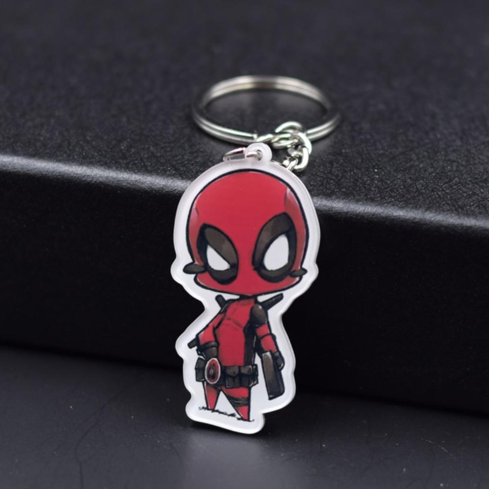 Deadpool kulcstartó, táskadísz - kézirajzos fehér szegéllyel - KÉSZLETRŐL!