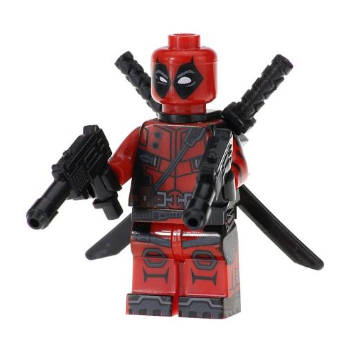 Deadpool minifigura karddal és géppisztollyal - KÉSZLETRŐL!