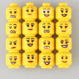 Minifigura női arcok - 16 darab