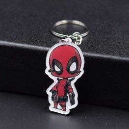 Deadpool kulcstartó, táskadísz - kézirajzos fehér szegéllyel