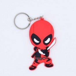 Deadpool kulcstartó, táskadísz - kivont kardokkal
