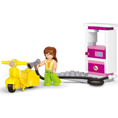 Friends - Vespas lány minifigura benzinkúttal (37 darabos)
