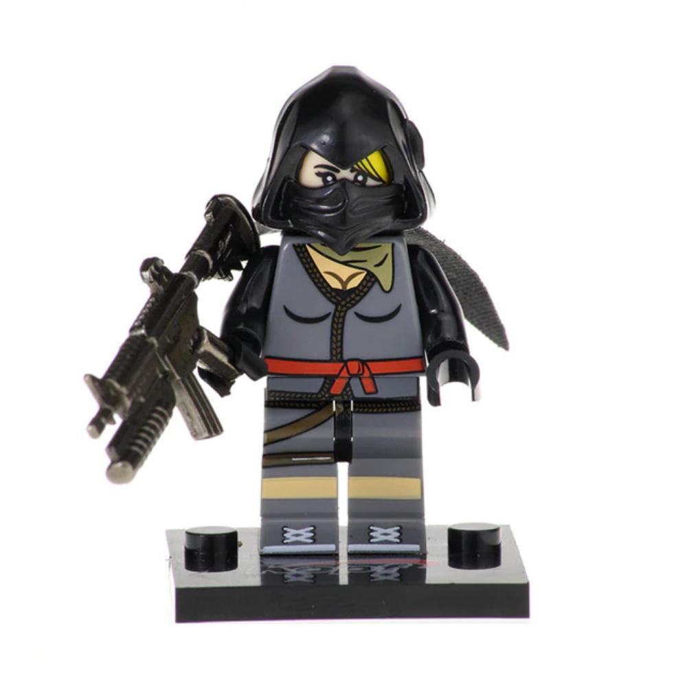Fortnite, Ninja minifigura - fényes fegyverrel - KÉSZLETRŐL!