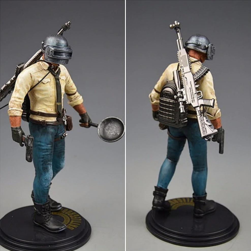 PUBG akciófigura - részletgazdag, 17 cm magas figura. hátán hátizsák és SKS