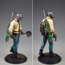 PUBG akciófigura - részletgazdag, 17 cm magas figura. hátán hátizsák és AWM