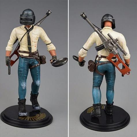 PUBG akciófigura - részletgazdag, 17 cm magas figura. hátán VSS