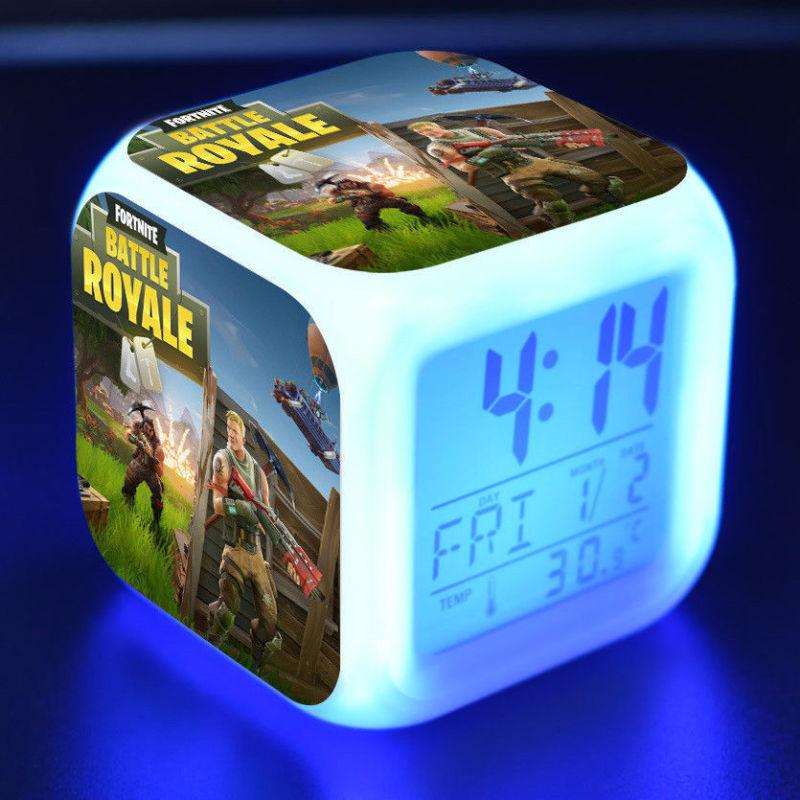 Fortnite éjjeli lámpa órával - csatatér színben - KÉSZLETRŐL!