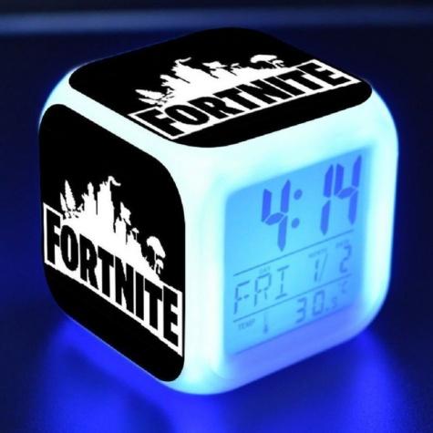 Fortnite éjjeli lámpa órával - fekete színben