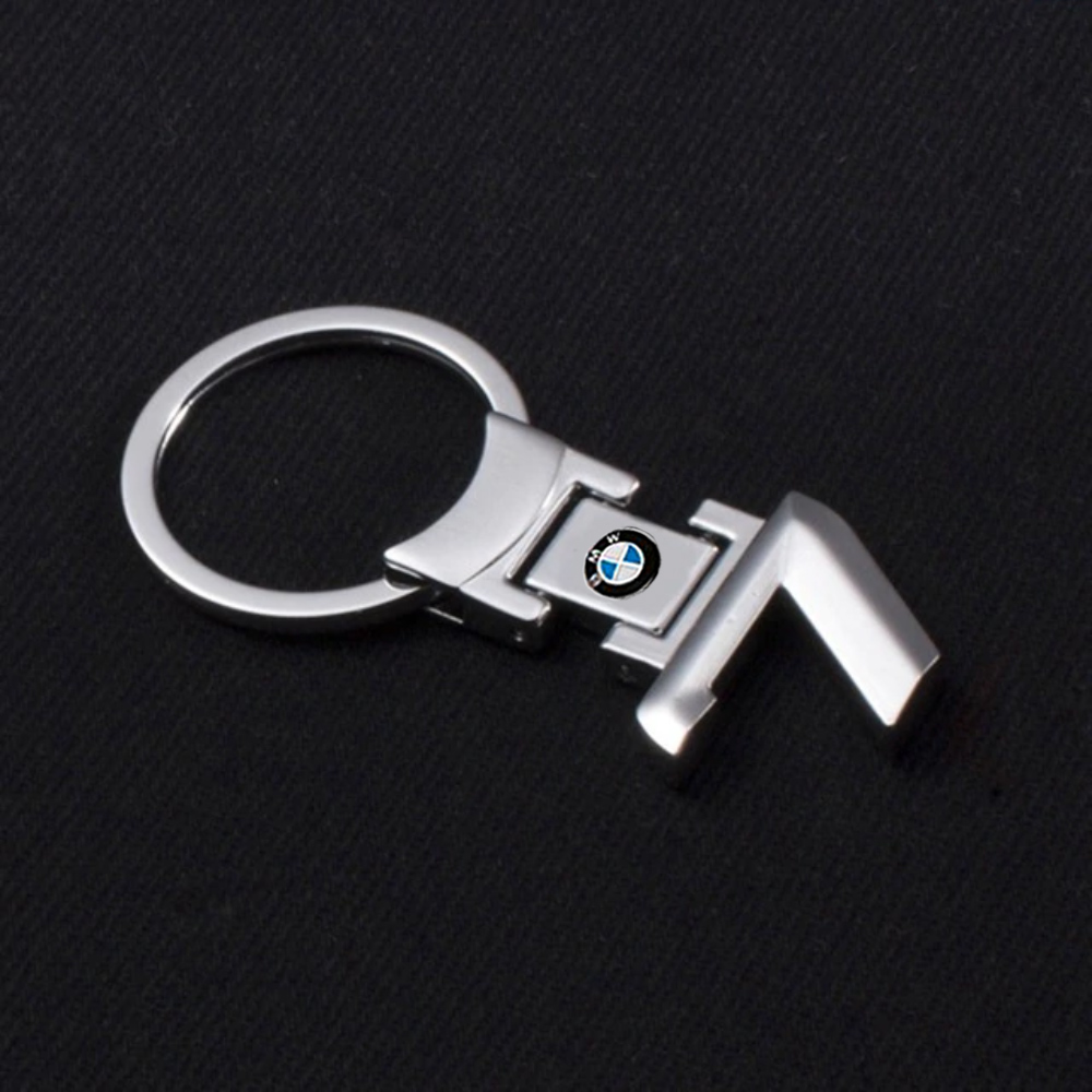 bmw-7-series-kulcstarto-taskadisz.jpg