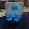 7 színben világító LED-es, gravírozott Star Wars akril szobor (külön köthető rá egyedi led vezérlés)