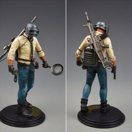 PUBG akciófigura - részletgazdag, 17 cm magas figura. hátán hátizsák és SCAR-L